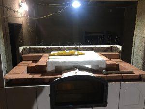 Изразцовая печь в процессе строительства